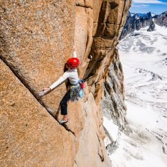 Chamonix August 2015Kate Rutherford, Voyage Selon Gulliver, Grand Capucin.